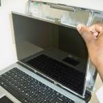 Reparatii ecran laptop – defectiuni posibile