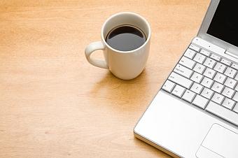 curatarea cafelei de pe tastatura