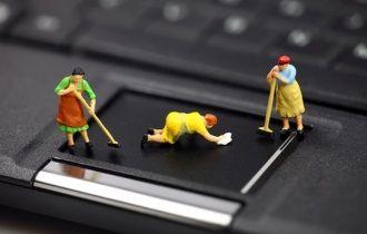 service curatare laptop